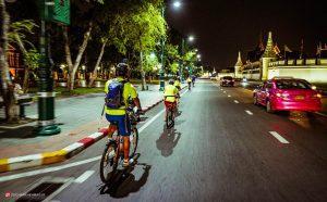 دوچرخه سواری در شبهای بانکوک تایلند